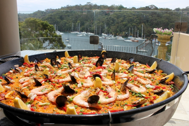 Mobile paella catering